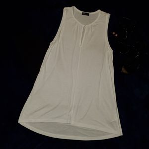 White Gap Tunic Top NWOT